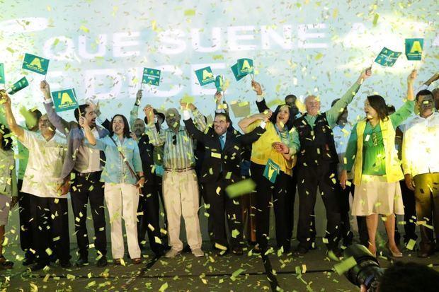 Acto de proclamación de fusión Opción Democrática y nueva Alianza País.