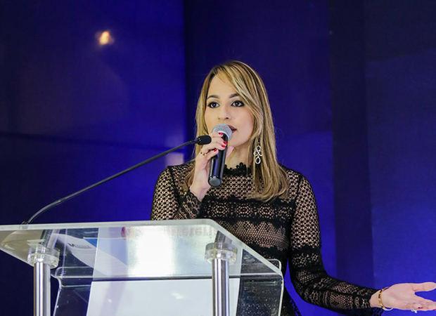 Alina Victorio, Directora de Medios de Pagos de APAP, durante el acto de lanzamiento.