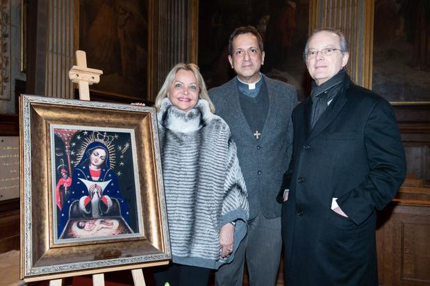 Dominicanos en Francia conmemoran el Día de la Virgen de la Altagracia