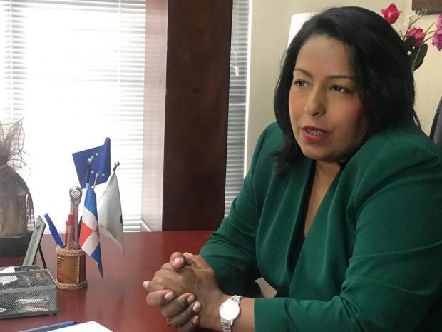 """Altagracia Tavárez: """"Luis Abinader experimenta con el caos en la municipalidad"""""""