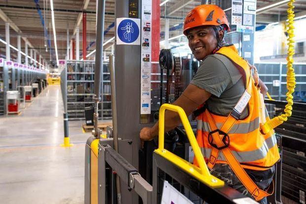 Amazon de librería digital a la tienda para todo de internet en 25 años