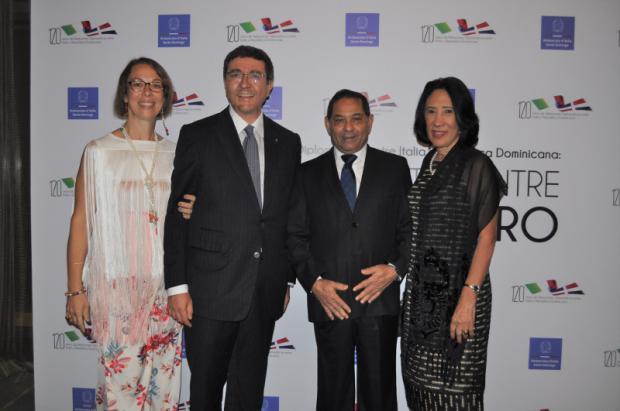 Andrea Canepari, embajador Roberto Canepari, Mariano Germán y Rhina Bodden.