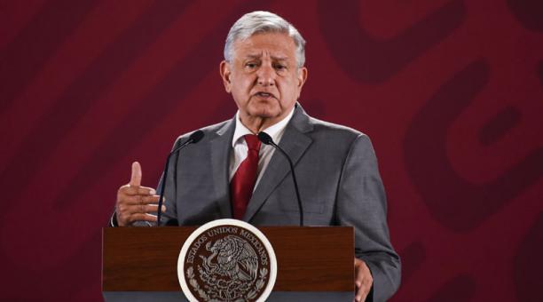 El presidente de México, Andrés Manuel López Obrador, habla durante una rueda de prensa hoy, viernes 31 de mayo de 2019, en el Palacio Nacional de Ciudad de México.