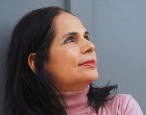 Ángela Hernández.
