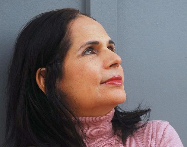 AGN presenta Charamicos, la nueva novela de Ángela Hernández