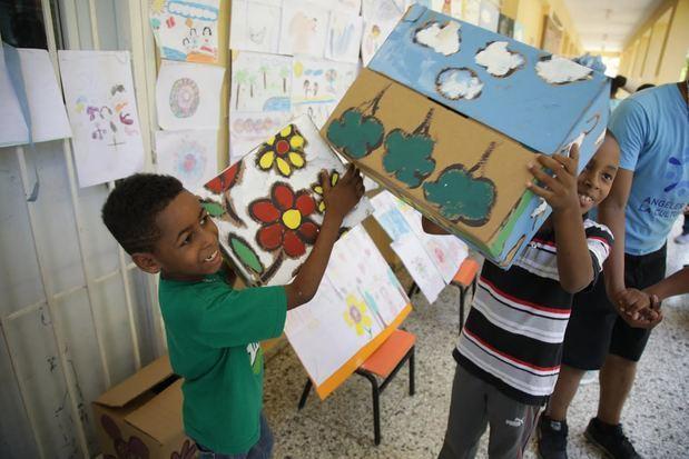 Ángeles de la Cultura muestran sus habilidades artísticas en barrios al concluir año escolar