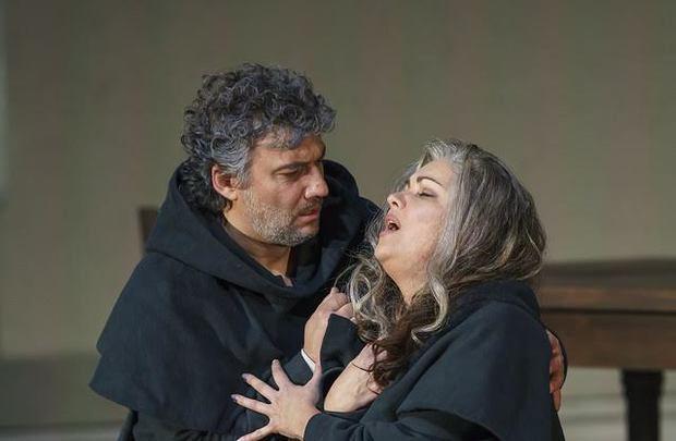 Anna Netrepco y Jonas Kaufmann en 'La Forza del Destino'. (Foto:Cortesía).