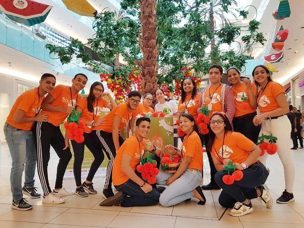Voluntarios fundación SOLCA.