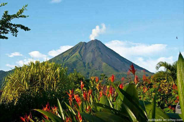 Volcán El Arenal uno de los lugares turísticos de Costa Rica.