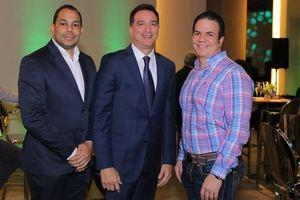 Reynaldo Hernández, Gary D´ la Rosa, Jaime Saviñon.