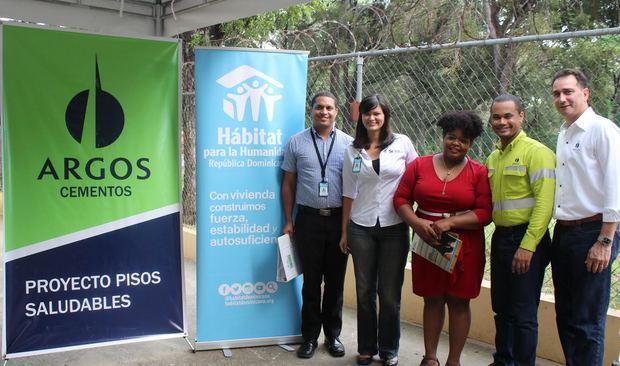Argos mejora la calidad de vida de 38 familias en República Dominicana