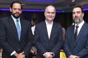 Nicolás Fernández, Alejandro Fernández y Fabio Báez.