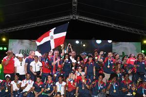 El pueblo se une al recorrido triunfal de los atletas de Panam Lima 2019.