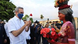 Presidente Abinader visita la Ciudad Colonial.