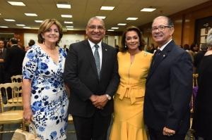 Ramona Vanderlinder, Ervin Novas Bello, Fiordaliza Martínez de Valdez y José Alcántara Almanzar.