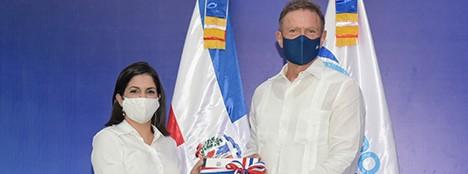 República Dominicana pone metas comerciales a sus embajadores