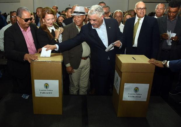 El PRD elige candidatos a diputados de ultramar y del Parlacen