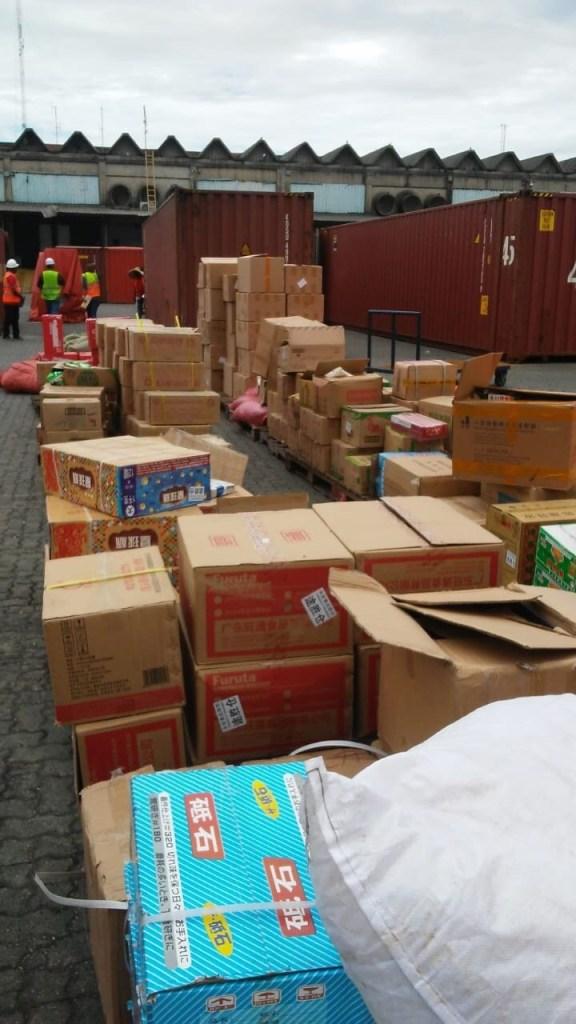 Aduanas decomisa contrabando de medicamentos, cerveza y ron en Haina Oriental