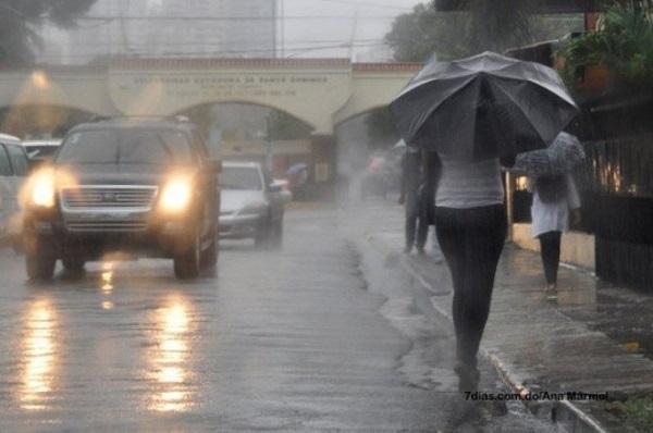 Nublados con aguaceros y tronadas hacia varias provincias, se mantienen las alertas