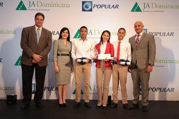 Centros educativos de Santo Domingo y Mao ganan quinta versión de Banquero Joven Popular