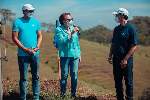 La señora Inmaculada Adames, vicepresidente ejecutiva del Plan Sierra, destacó el compromiso institucional del Banco Popular Dominicano con el medioambiente y las acciones que realiza en su favor