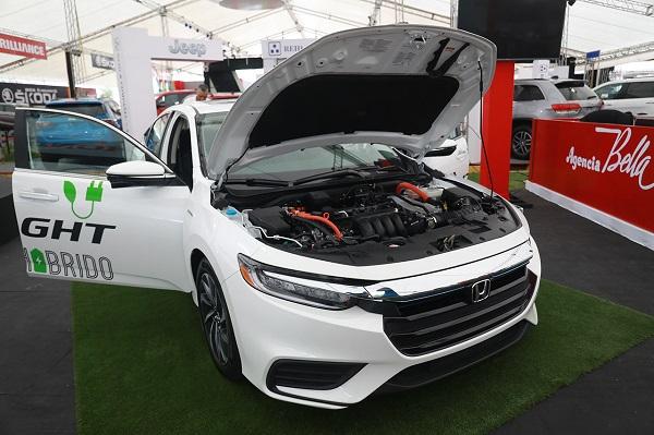Autoferia Popular presenta amplia oferta de vehículos híbridos y eléctricos