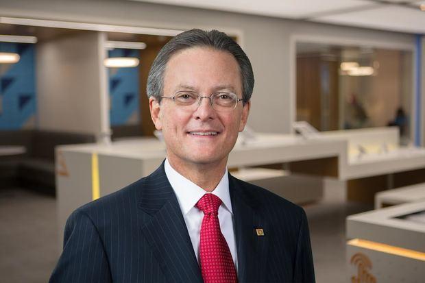 Señor Manuel A. Grullón, Presidente del Consejo de Administración de Grupo Popular, S.A.