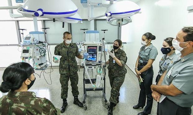 Mujeres militares en la primera línea de defensa frente a la Pandemia