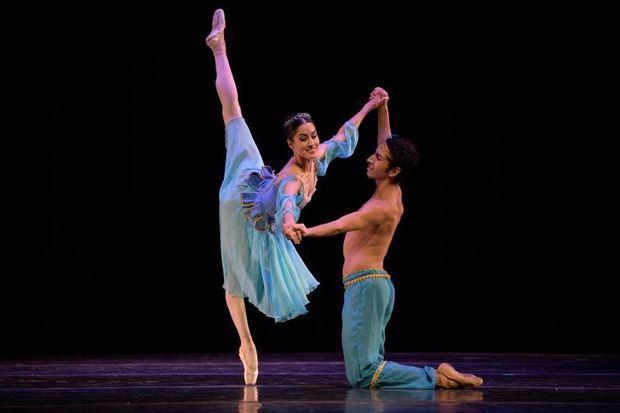 Fotografía cedida por el Festival Internacional de Ballet de Miami donde aparecen dos integrantes de la Compañía Nacional de Danza de México, quienes participarán en el XXIV Festival Internacional de Ballet de Miami, en Miami, Florida (Estados Unidos).