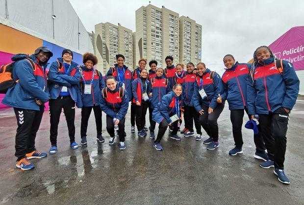 El equipo femenino de balonmano en la Villa Panamericana de Lima, Perú.