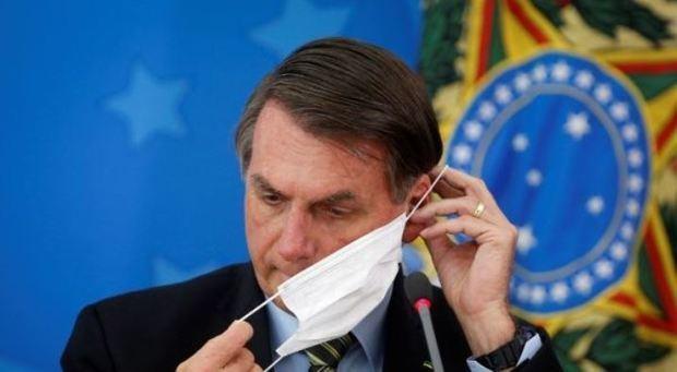 Presidente brasileño, Jair Bollonado.
