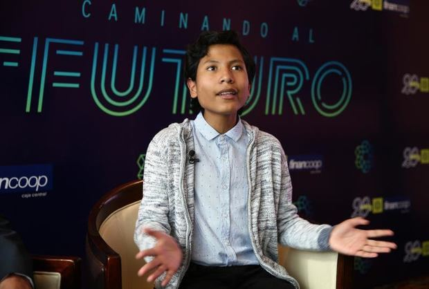 El niño banquero peruano presenta en Ecuador su propuesta de banca infantil