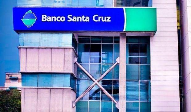 Fachada de Banco Santa Cruz.