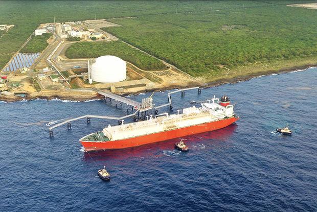 Llega barco número 200 de gas natural a República Dominicana