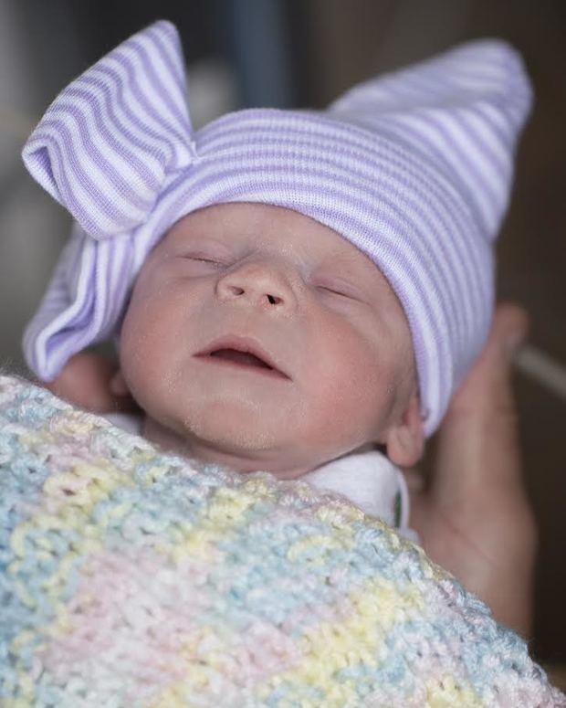 Cleveland Clinic es el primer hospital de Norteamérica en asistir al nacimiento de un bebé que se formó en el útero trasplantado de una donante fallecida.