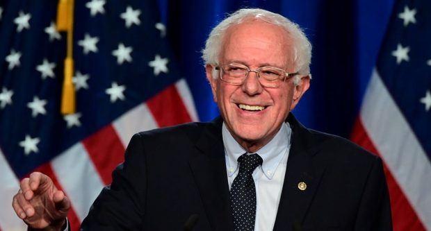 El senador izquierdista Bernie Sanders respalda la candidatura presidencial de Joe Biden en EEUU.