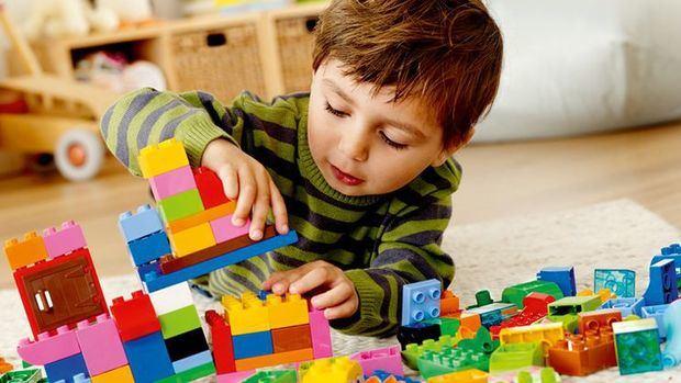 Ministro destaca la importancia del juego en la educación y aconseja a optar por juguetes didácticos