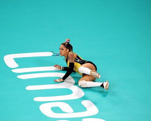 Brenda Castillo, líbero de la selección dominicana de voleibol se fracturó este domingo el brazo izquierdo en un accidente de tránsito.
