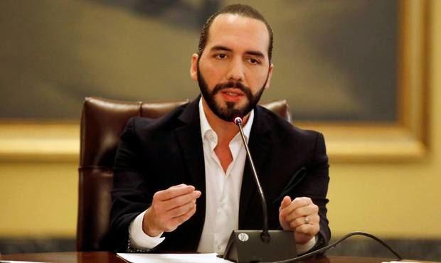 El presidente salvadoreño, Nayib Bukele, ordena a empresas telefónicas bloquear señal en los penales.