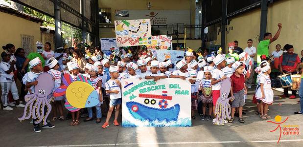 Carnaval de la Fundación Abriendo Camino desfila por calles de Villas Agrícolas
