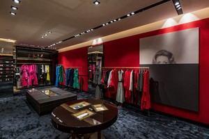 En la actualidad los diseños presentados influyen y marcan el tono de las colecciones de CH Carolina Herrera