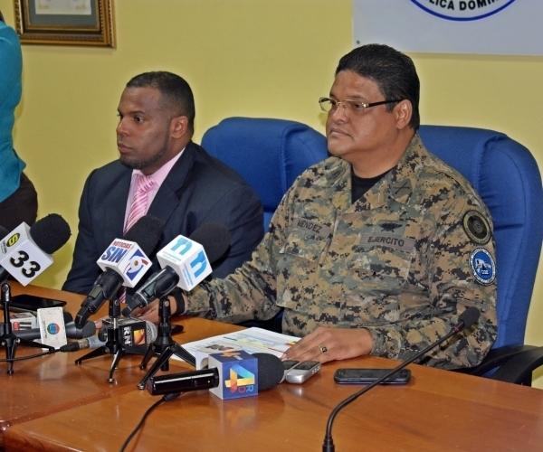 Autoridades suben de 17 a 24 provincias en alerta roja por avance de Irma