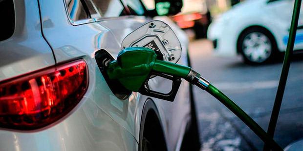 Combustibles bajan por segunda semana.