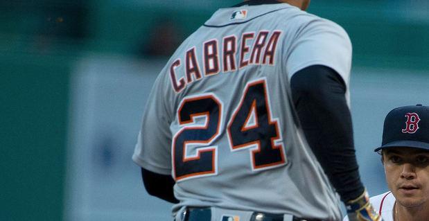 Cabrera se consagra y libera al pegar su histórico cuadrangular número 500