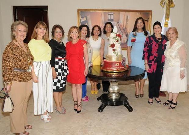Asociación de Damas Diplomáticas invitadas al Café Literario en su 62 aniversario