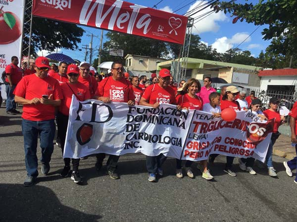 Farmacia Carol y La Fundación Dominicana de Cardiología caminan por el corazón