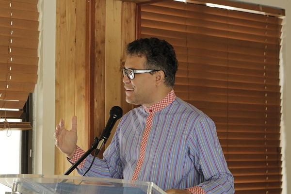 Carlos Peña afirma se necesita nuevo modelo sistema de salud