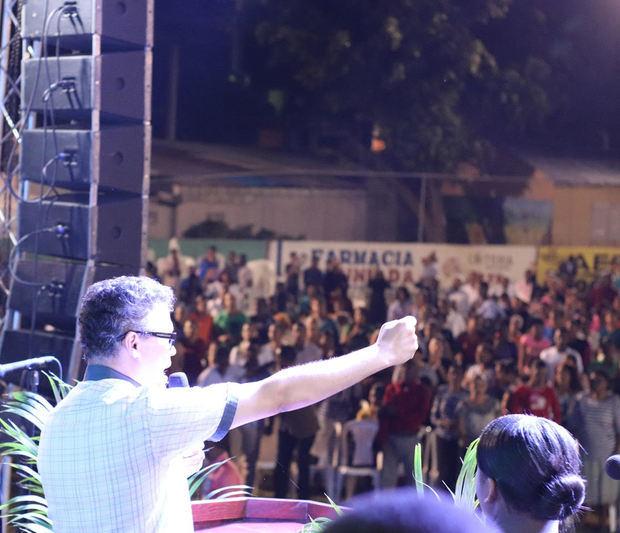 Aspirante a la presidencia de la República por el Partido Generación de Servidores, ingeniero Carlos Peña.