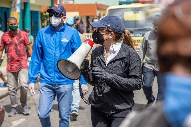 Carolina Mejía continua operativos de limpieza en distintos sectores de la ciudad