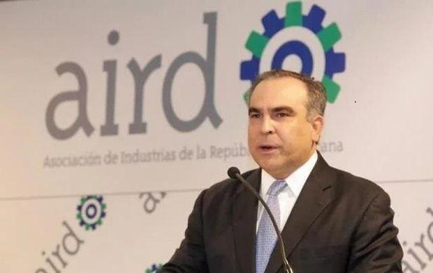 Empresarios defienden el diálogo para superar la crisis política